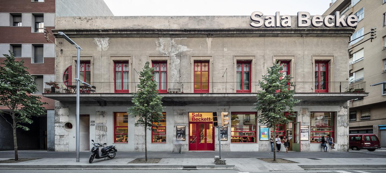 FLORESPRATS-SALABECKETT-62408-PH X 15 AG Facade   at Pere IV Street photoAdriàGoula LR1440px.jpg