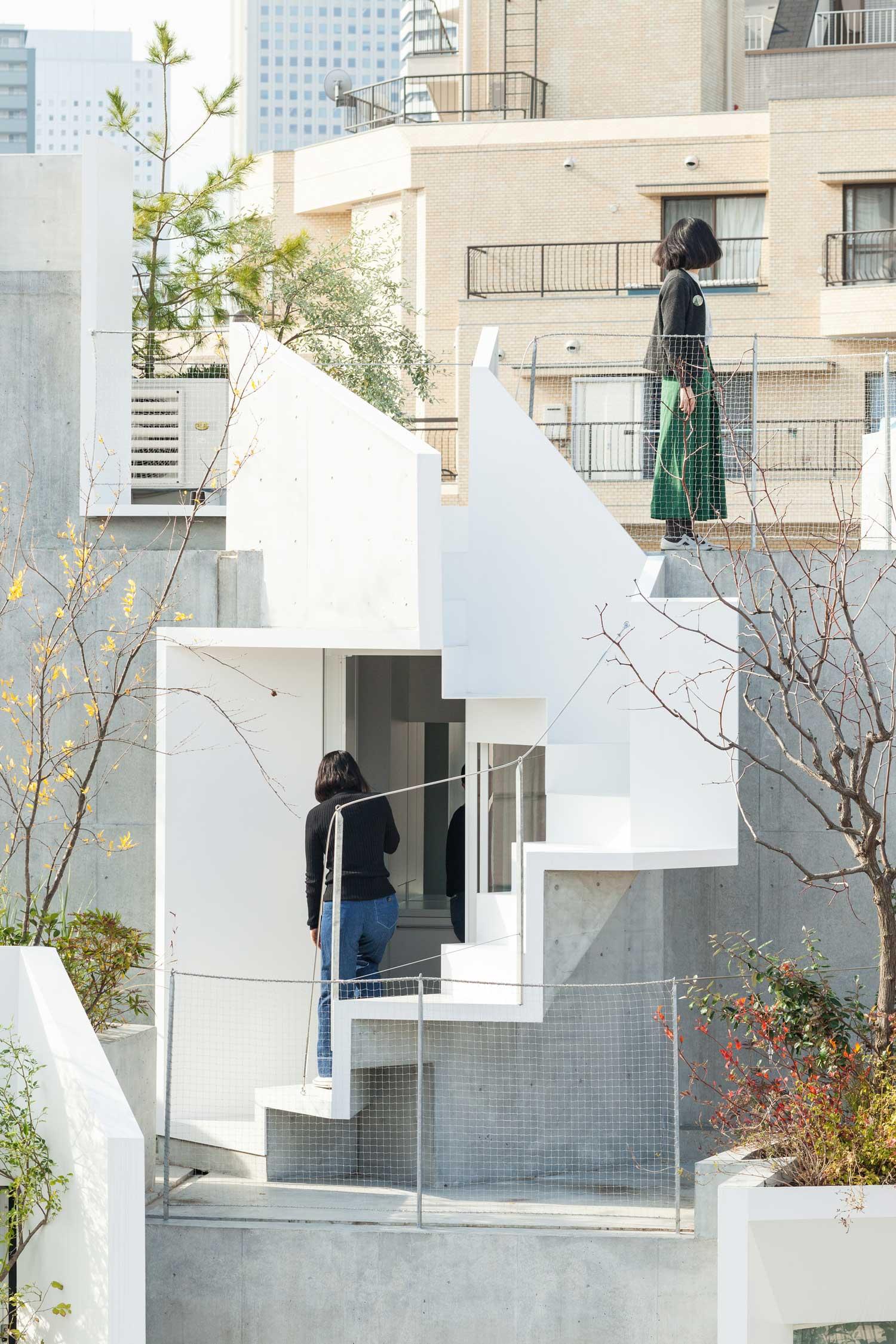 Tree-ness-House-Toshima-Japan-by-Akihisa-Hirata-Yellowtrace-15.jpg