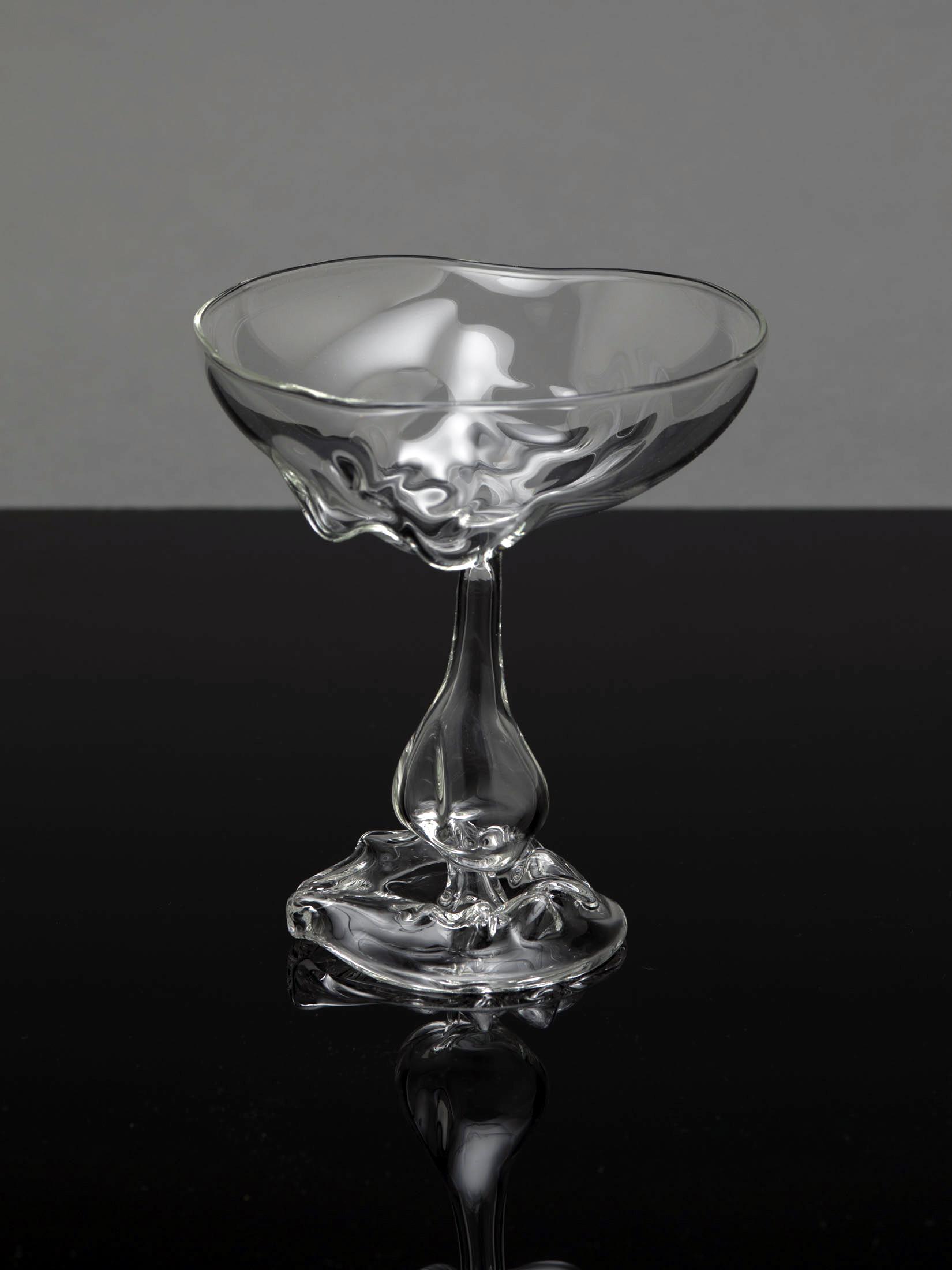 TheSeondLine-glass2.jpg