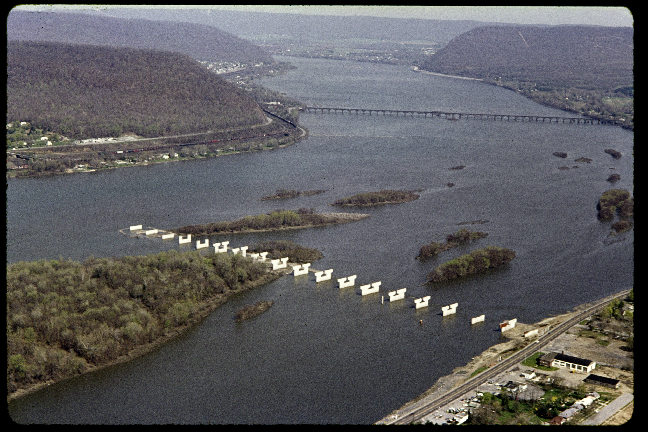 Route_81_Bridge_Piers_East_Shore_01.jpg