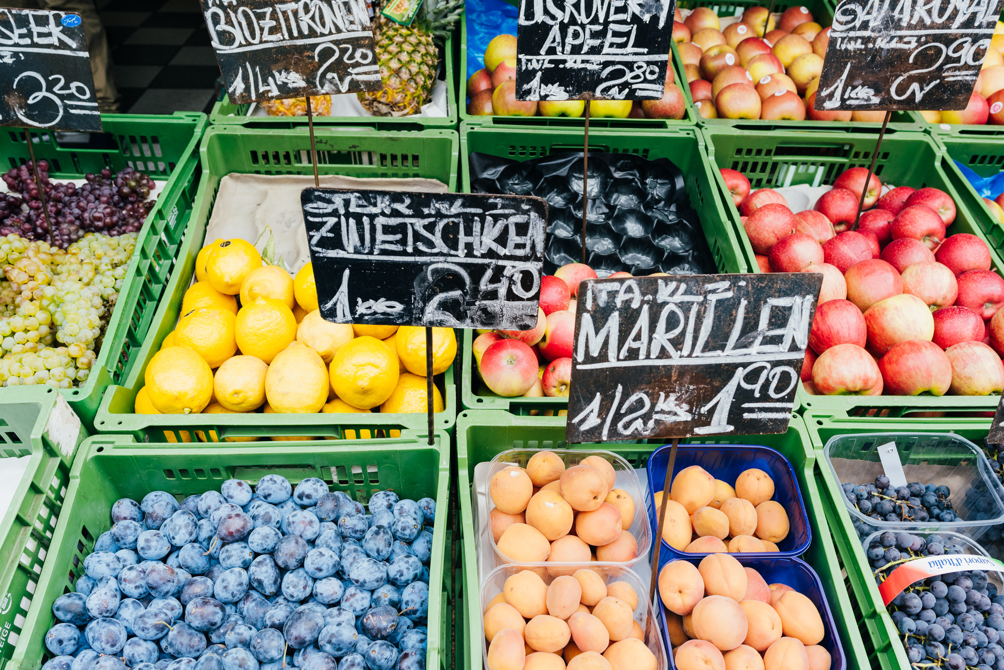 2017-09-13-Naschmarkt-20_LR edited_web.jpg