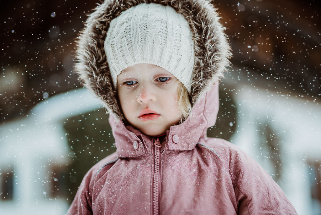 2018-01-02-portrait-snow-Antonia-29-Edit_LR edited_web.jpg