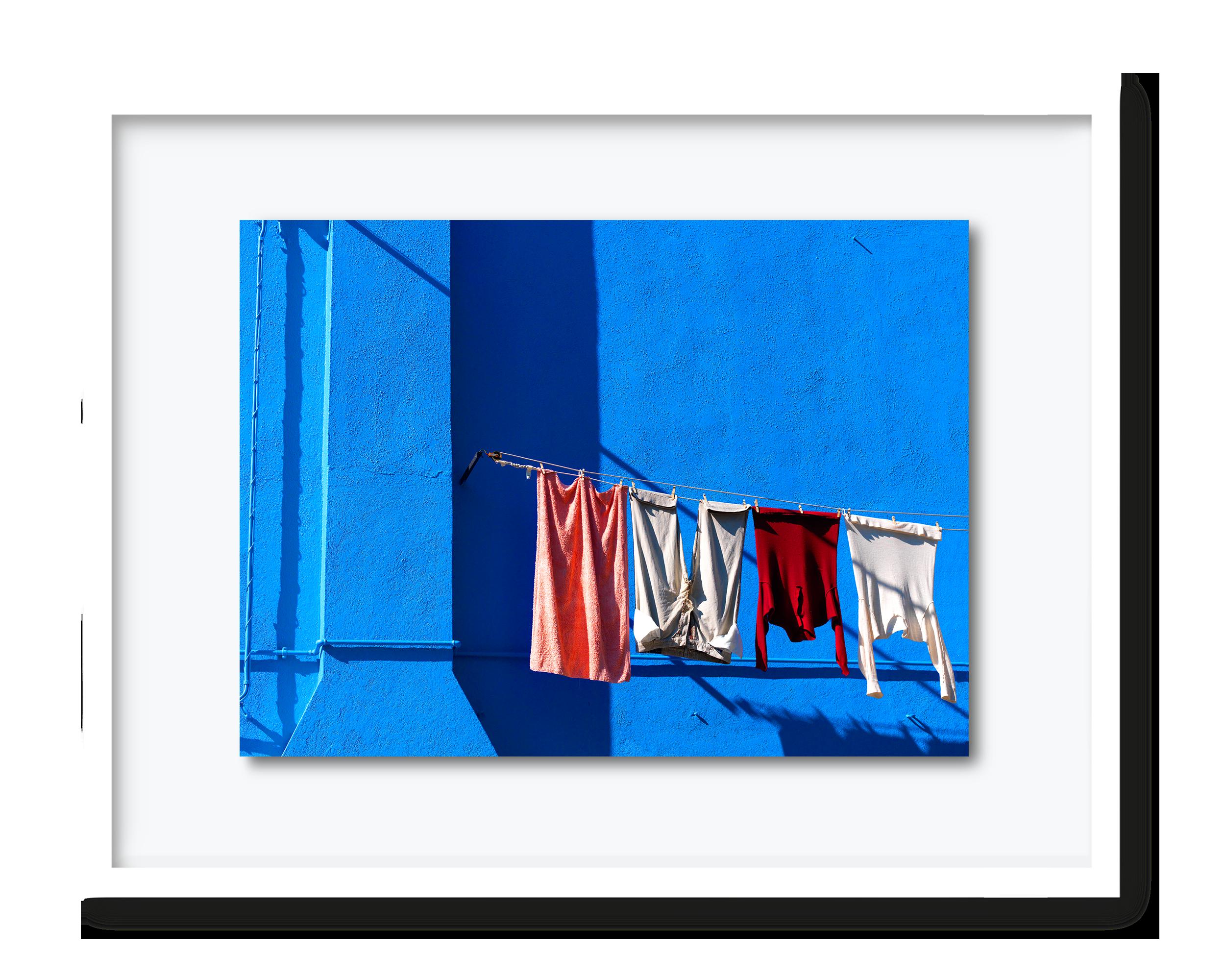 19.david-pearce-blue-building-venice.png