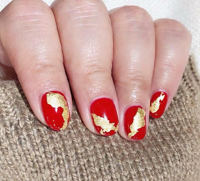 Perfect match ✨💅🏻 #red #gold #foil #nails