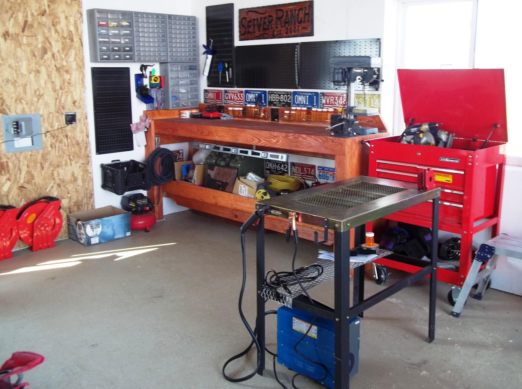 2012-09-27 - New Shop Bench and Tools.JPG