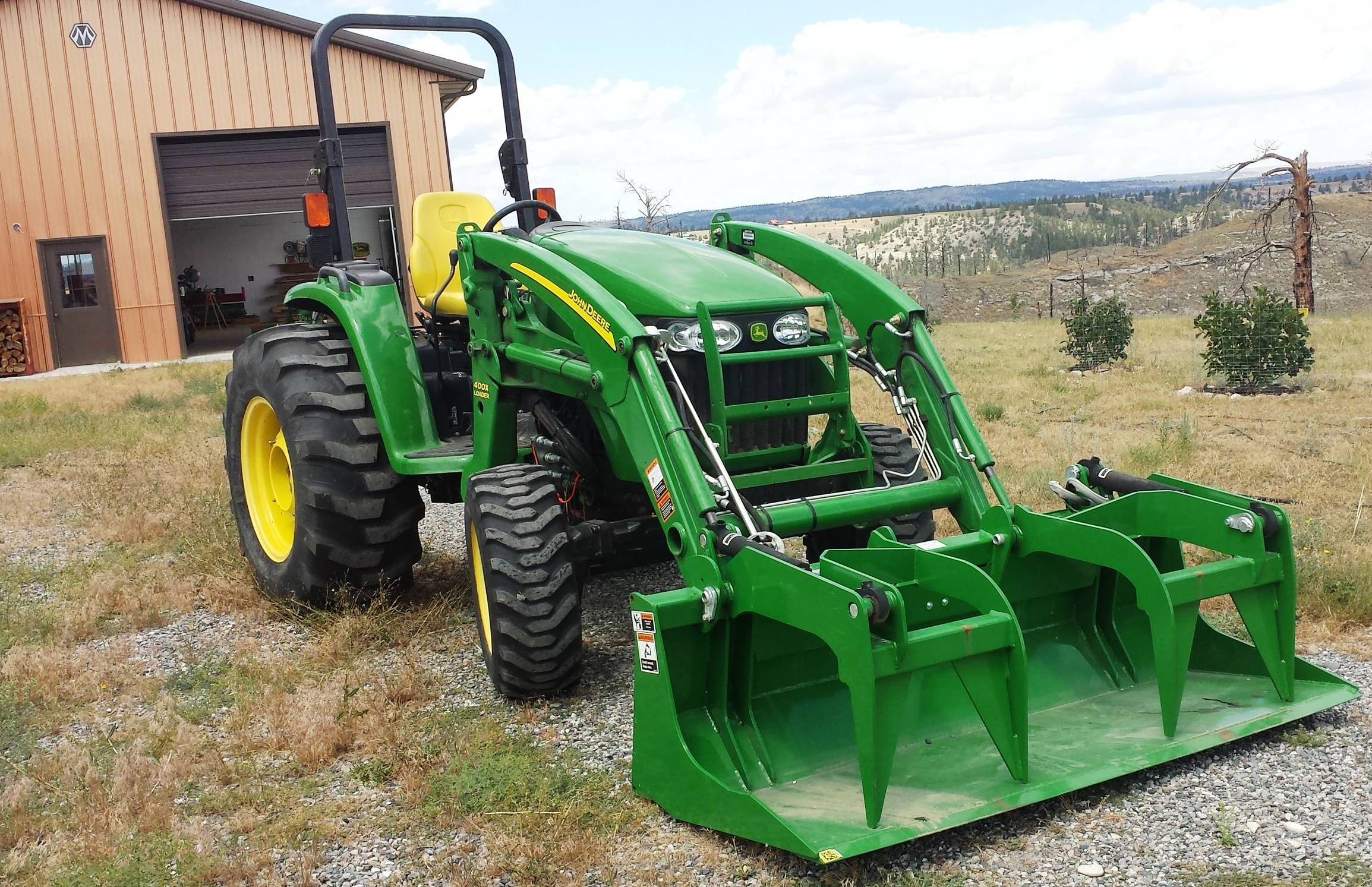 2015-07-24 - Tractor Upgraded with new Grapple Bucket - July 24 2015 #1.jpg