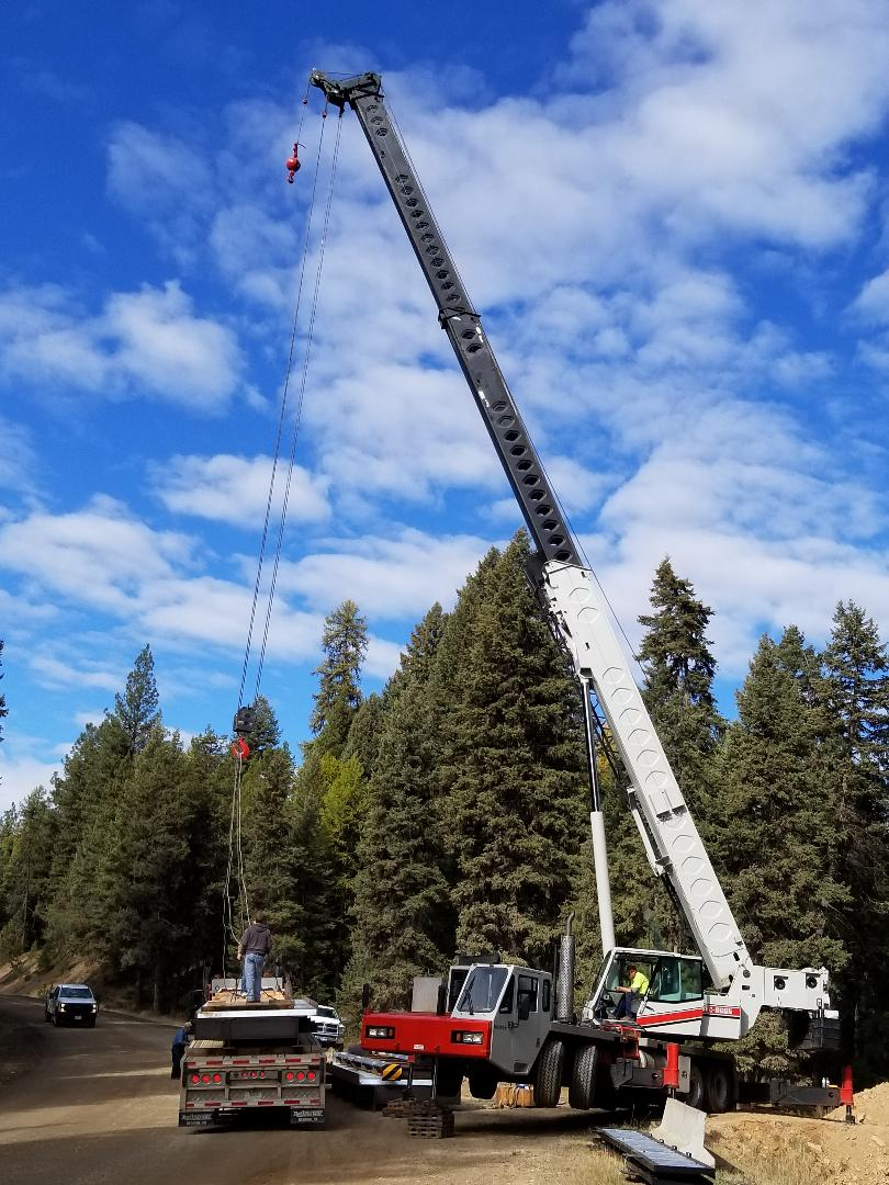 2018-10-11 Bridge Installation at New Eastment at SR2 #2.jpg