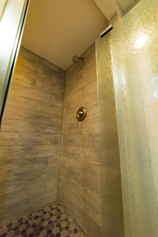 Hillside Apartment Bathroom