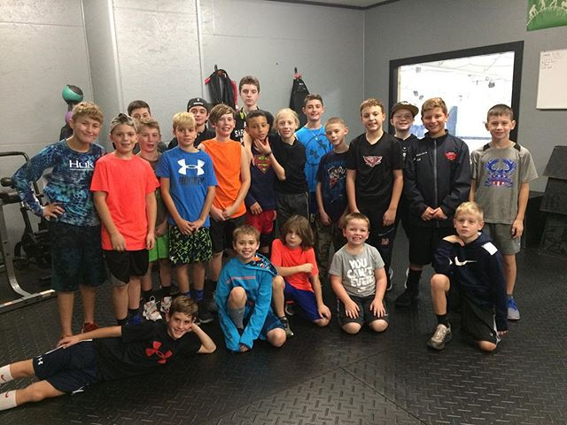 Throwback Thursday to working with a great group of kids in October. Save the date for our next Skills and Drills Mini Clinic - Veterans Day Monday 11/12 9-11:30 $35. #relentless #skating #skills #strength #kettlebells #hockey #mcyh
