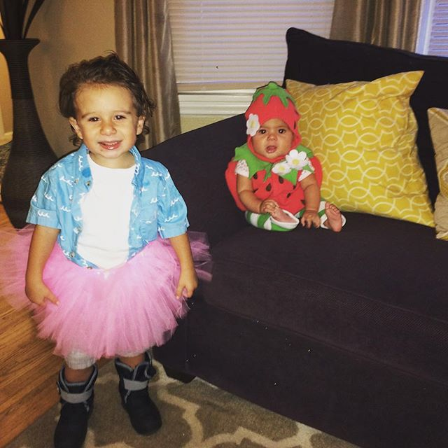 Some Halloween Fun with Ace and a plump strawberry! #halloween #zekeandzoey #aceventura #strawberry #putmeincoach #daylate