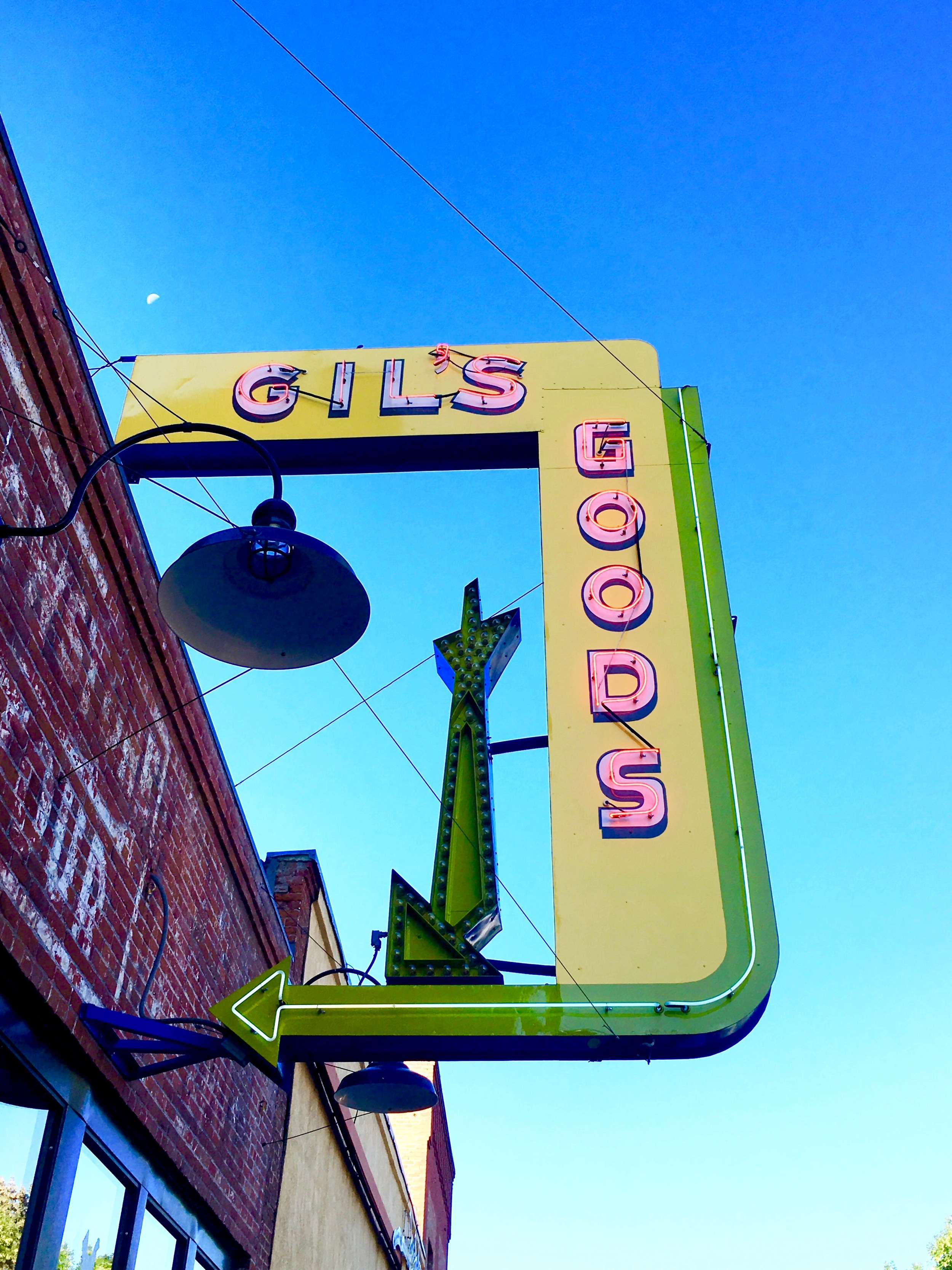 From our home, Livingston is a short, interesting scenic drive across Jackson Creek. Before a hike at Pine Creek, we stopped at Gil's Cafe in Livingston for a bite. It's homey, casual, and my breakfast sandwich was just right.