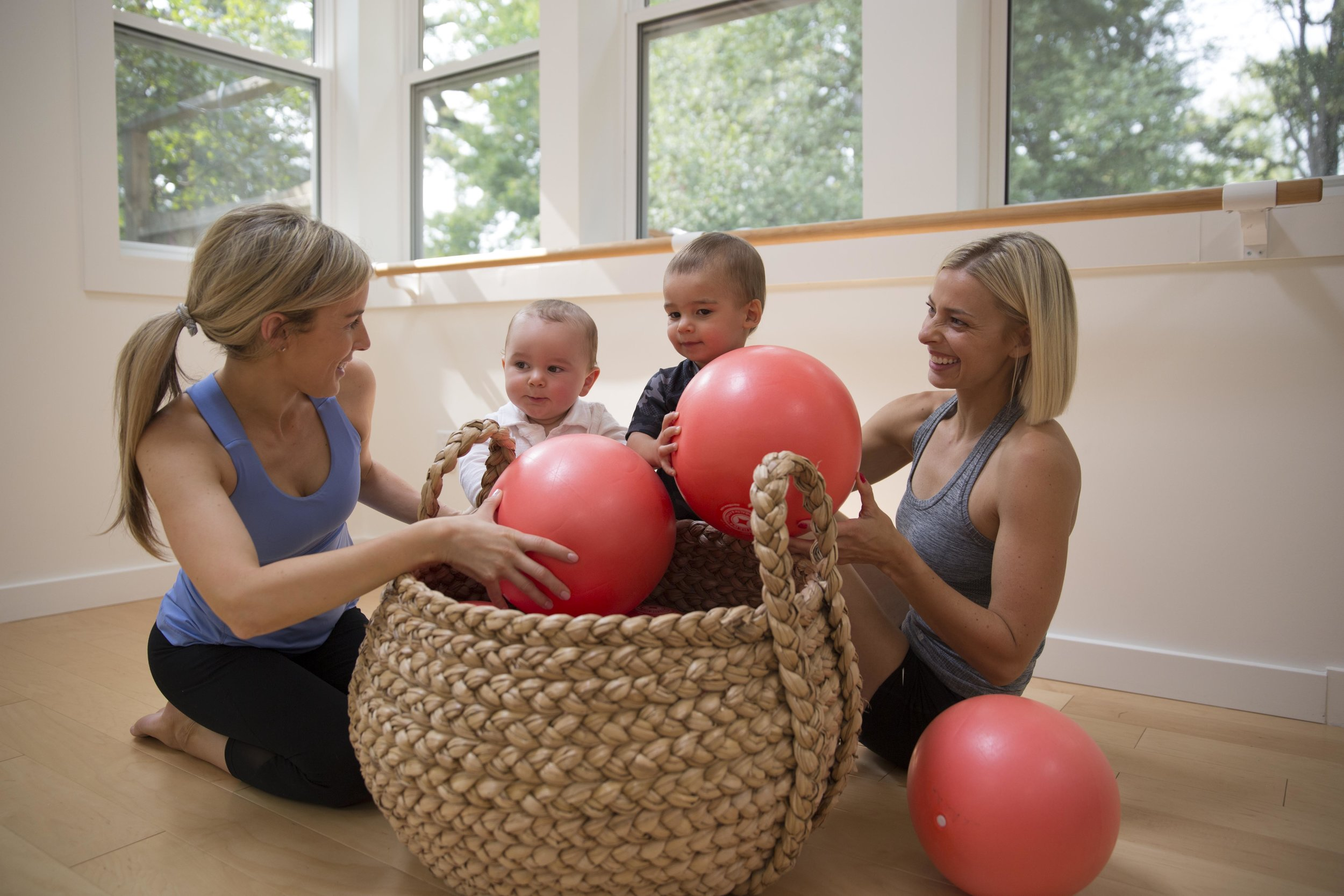 Our mom&babe trainers (Carly and Kelly) collaborate in the well&tight studio together with their special boys.