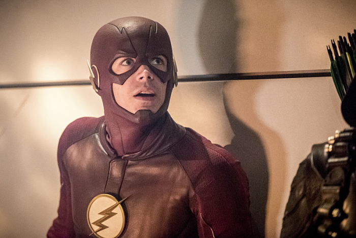 indie-music-and-television-blog-the-flash-hanging-out-with-Arrow