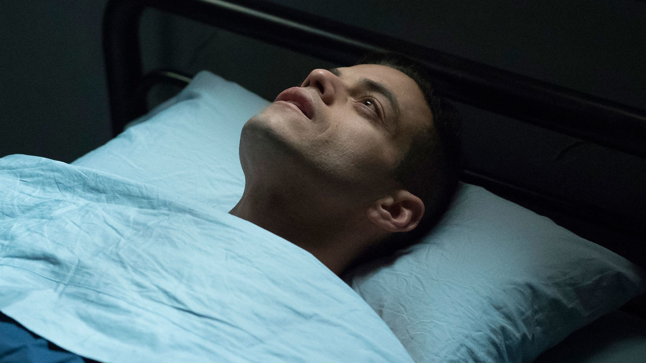 indie-music-and-television-blog-mr-robot-elliot-in-bed