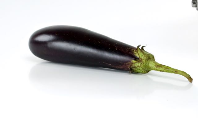 aubergines-cooking-cooking-pot-1194432.jpg