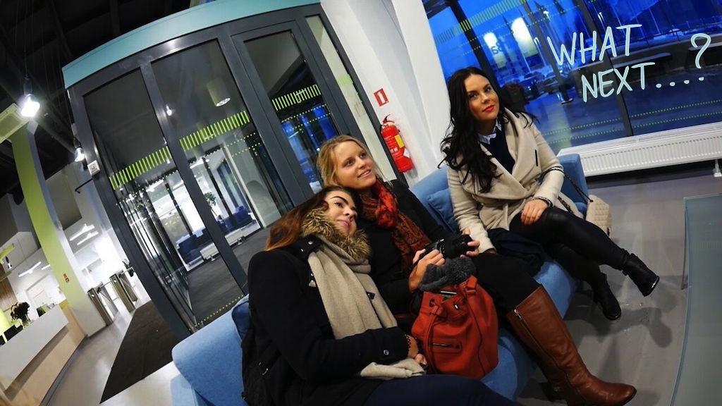 ....  Lennujaamast viidi meid otse airBalticu peakontrorisse, kust tutvusime kontori ja isegi mõningate pilootidega!  ..  Straight after our arrival to Riga airport, we were taken to the head office of airBaltic, where we had the opportunity to meet and greet the office and even some of the pilots!  ....