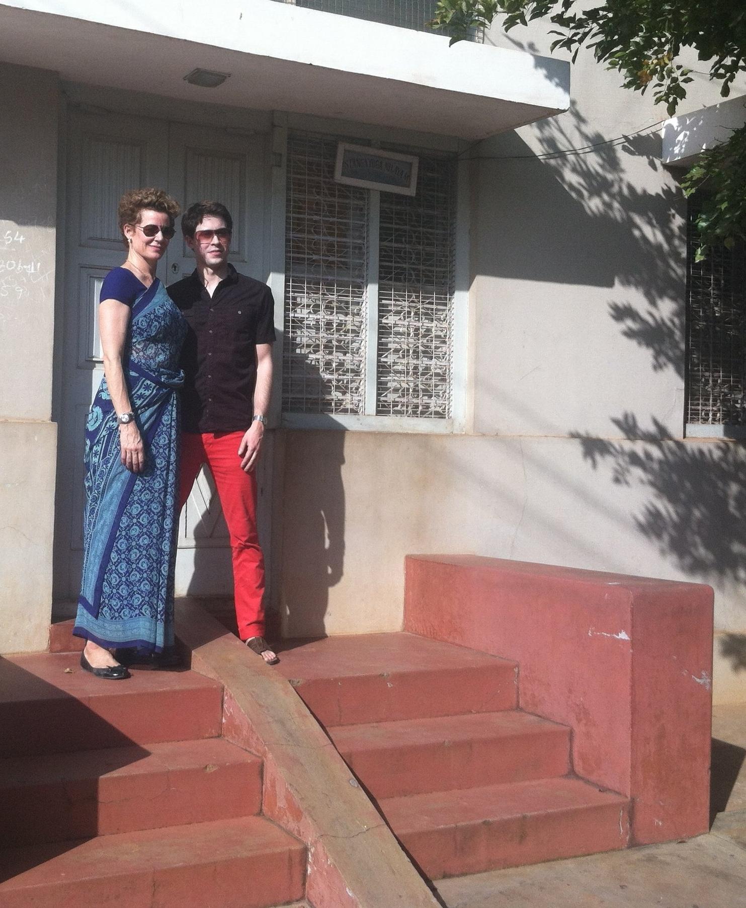 A visit to Guruji's old shala in Laxmipuram, Mysore. Kiki and me.