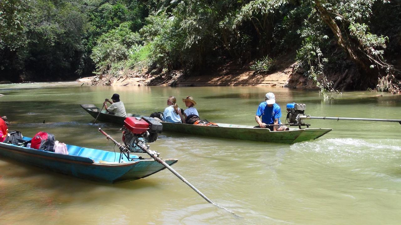 Long boat to Rumah Gare