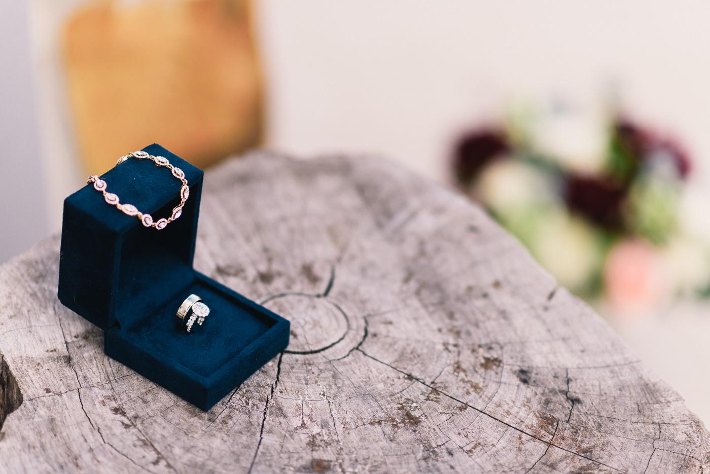 Wedding Rings Wedding jewelry Braceletstump ring box oval cut