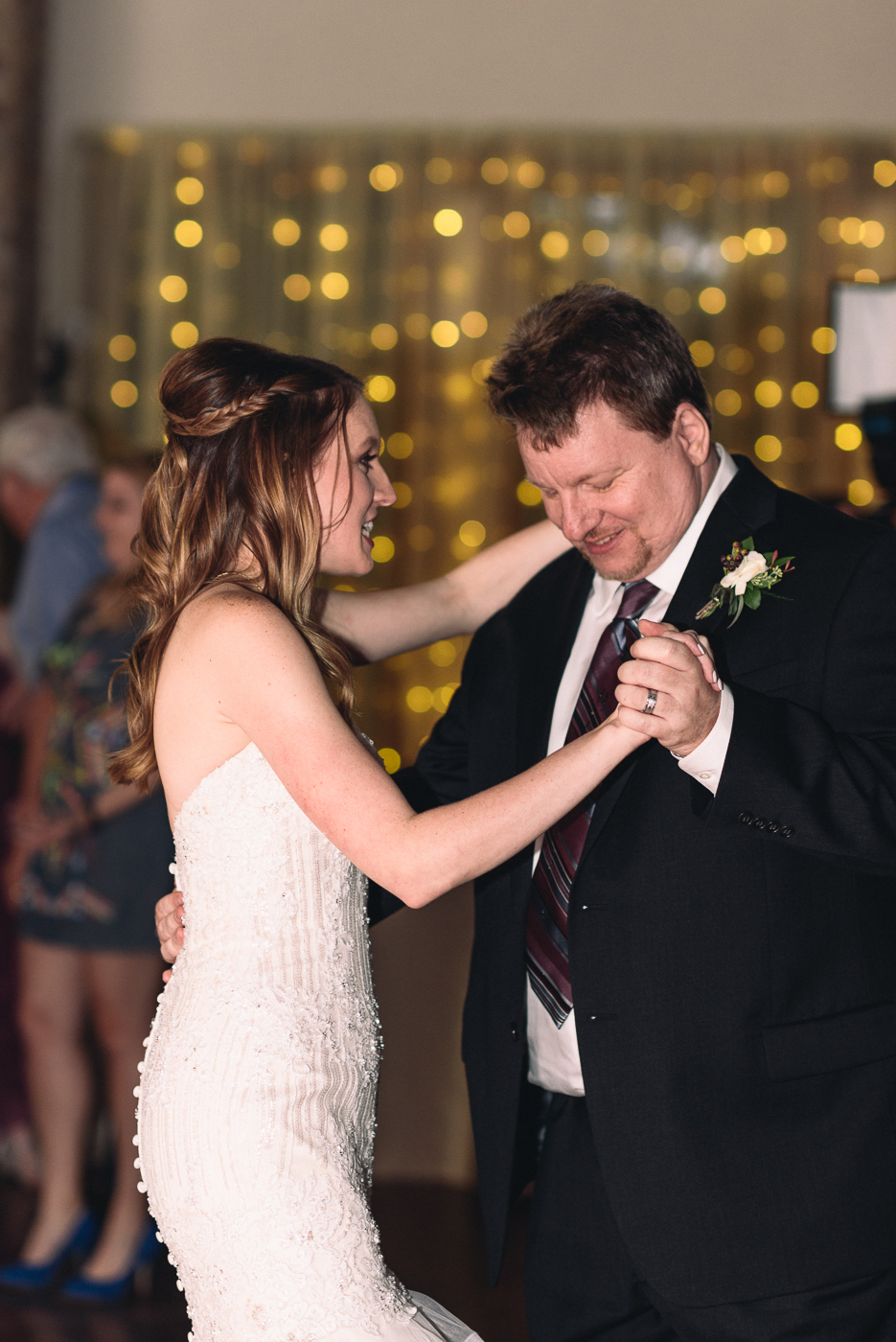 father daughter dance wedding reception special moments