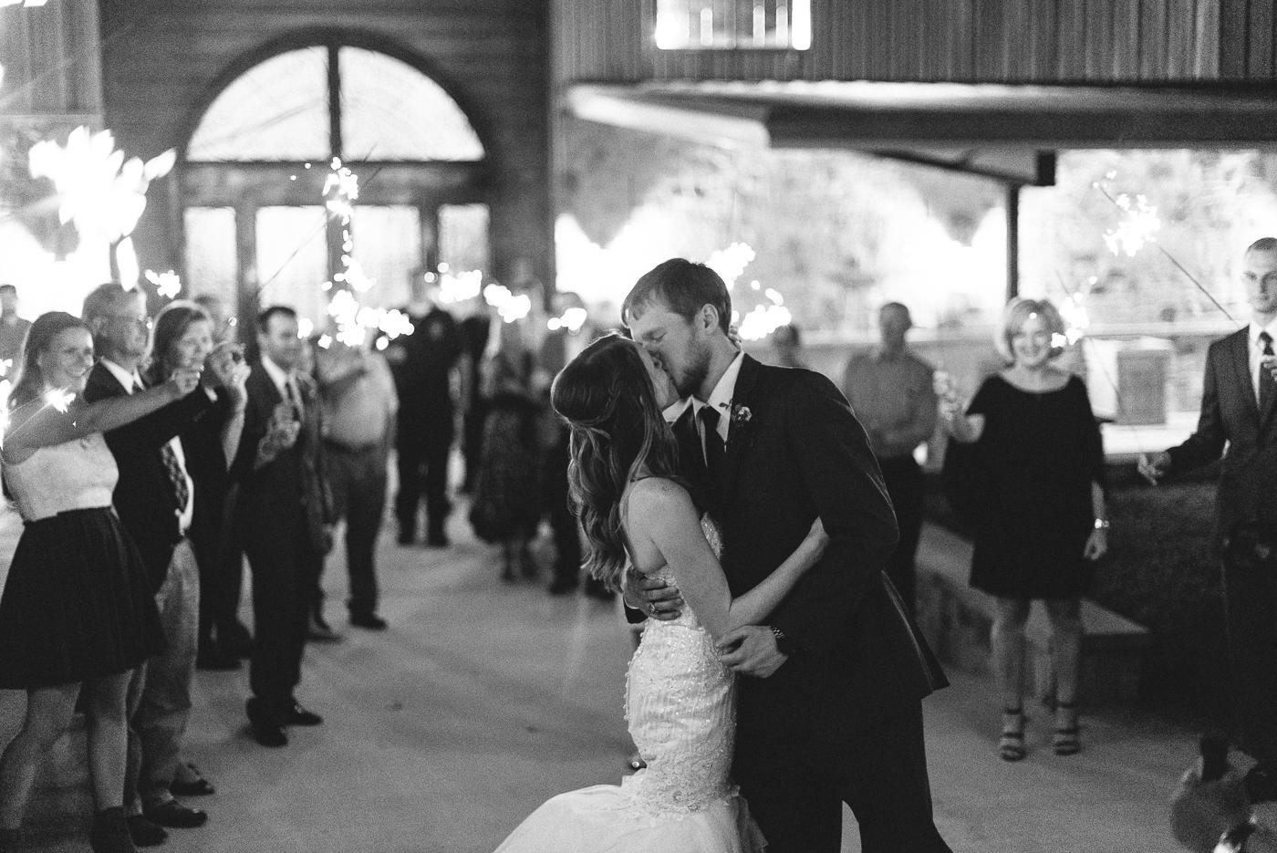 kiss husband and wife black and white love