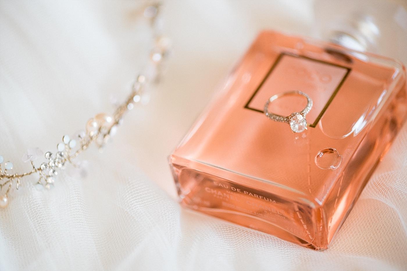 Wedding details veil tulle headpiece diamond wedding ring