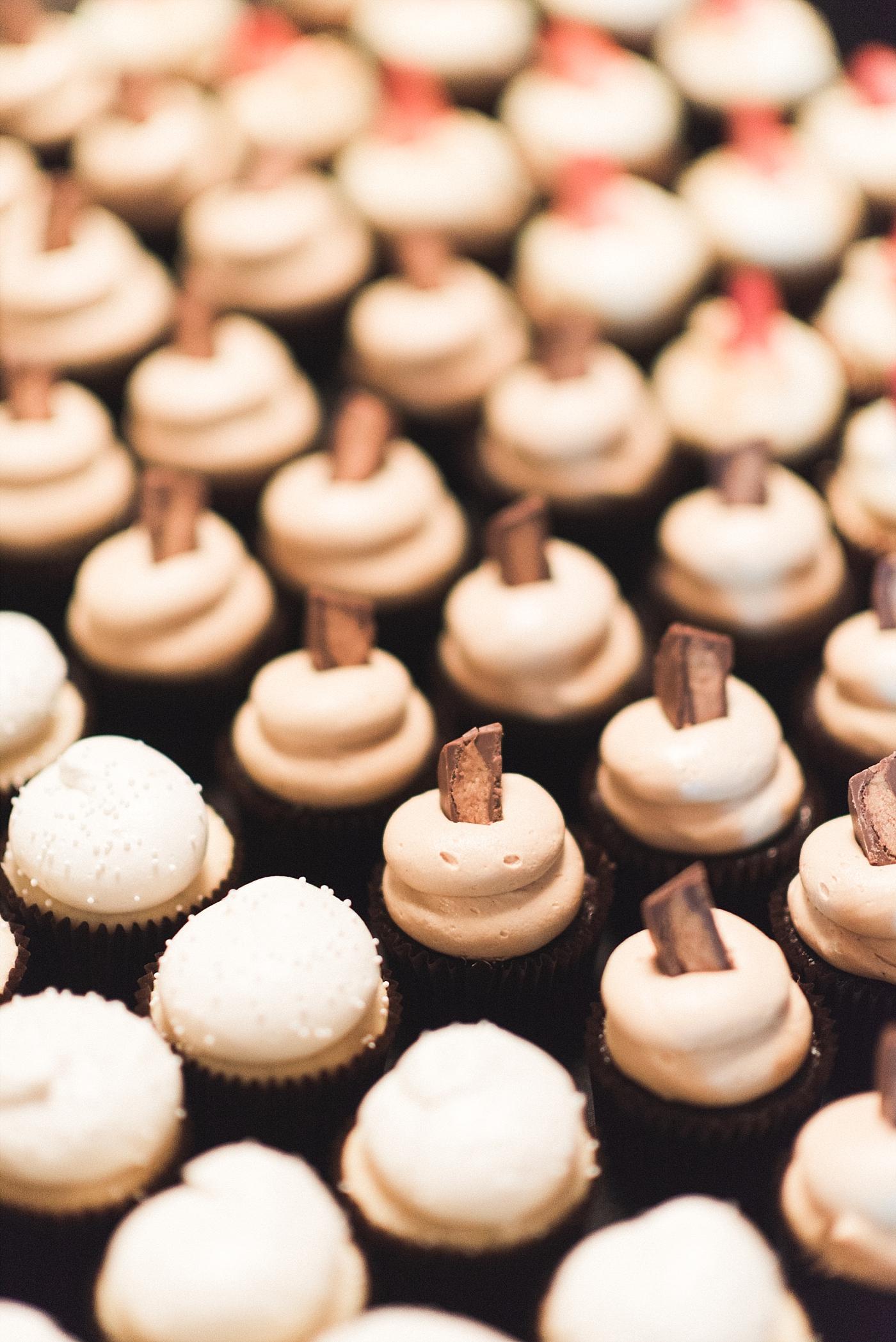 Wedding photography reception cupcake dessert