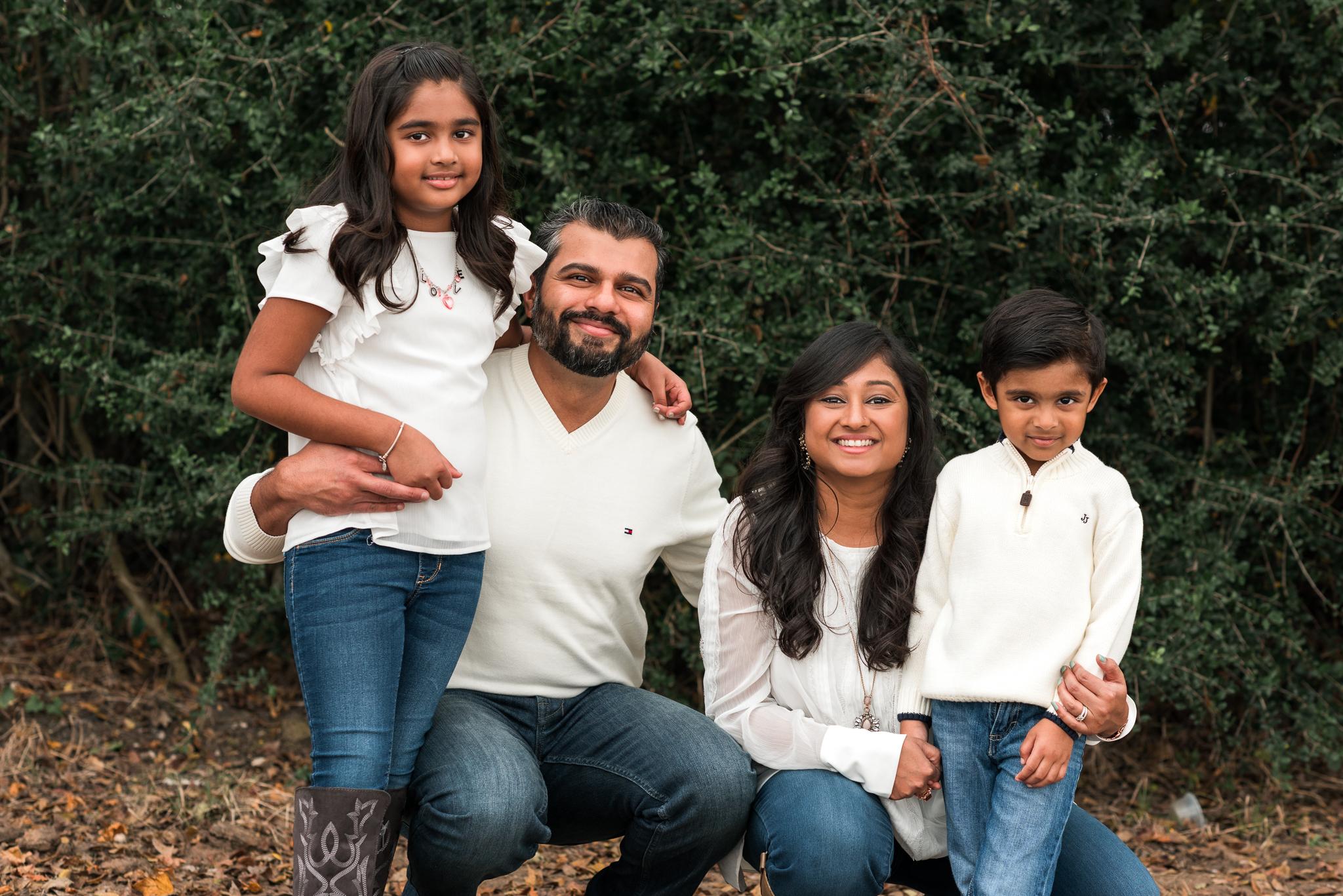 shah.family (3 of 6).jpg