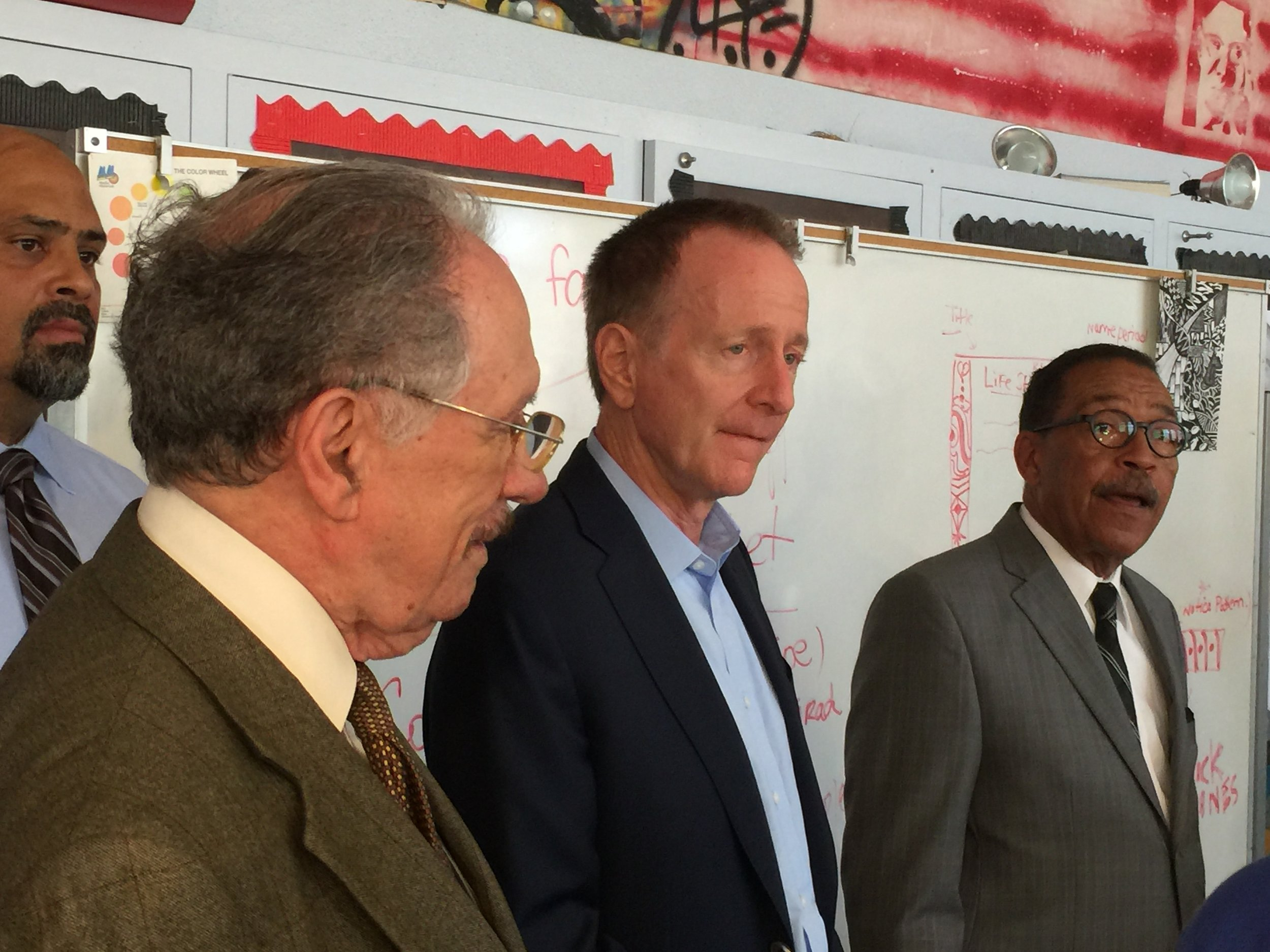 Superintendent Austin Beutner (center) joins Board Member George McKenna (left) and City Council President Herb Wesson in an art class at Crenshaw High the first day of school.