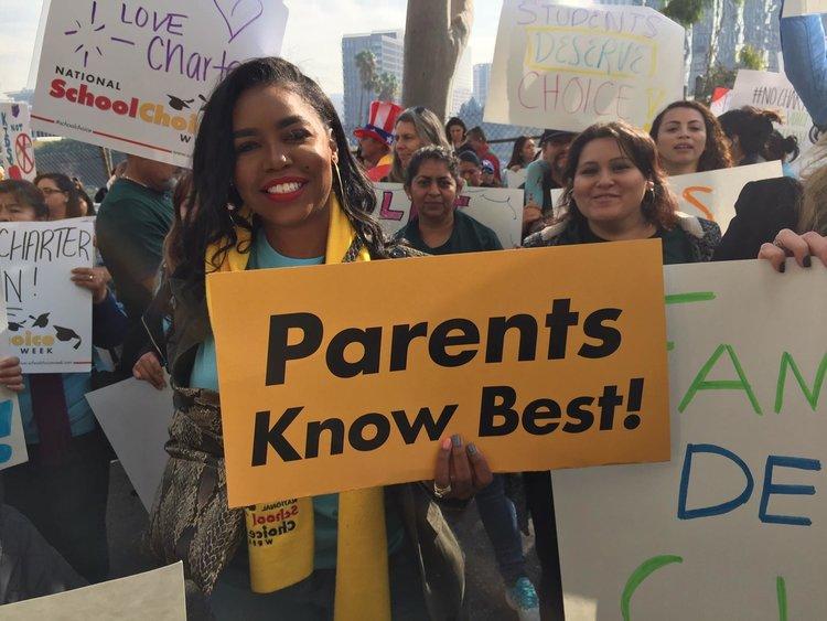 PADRES de familia protestan propuestas ANTI-CHARTER