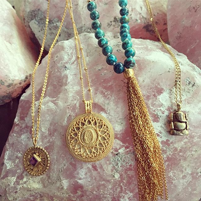 Always in love with our gorgeous necklaces from @satyajewelry . . . . . #jewelry #goldnecklace #layeringnecklace #yogainspired #shopojai #shoplocal #ojai #shopsmall #mala