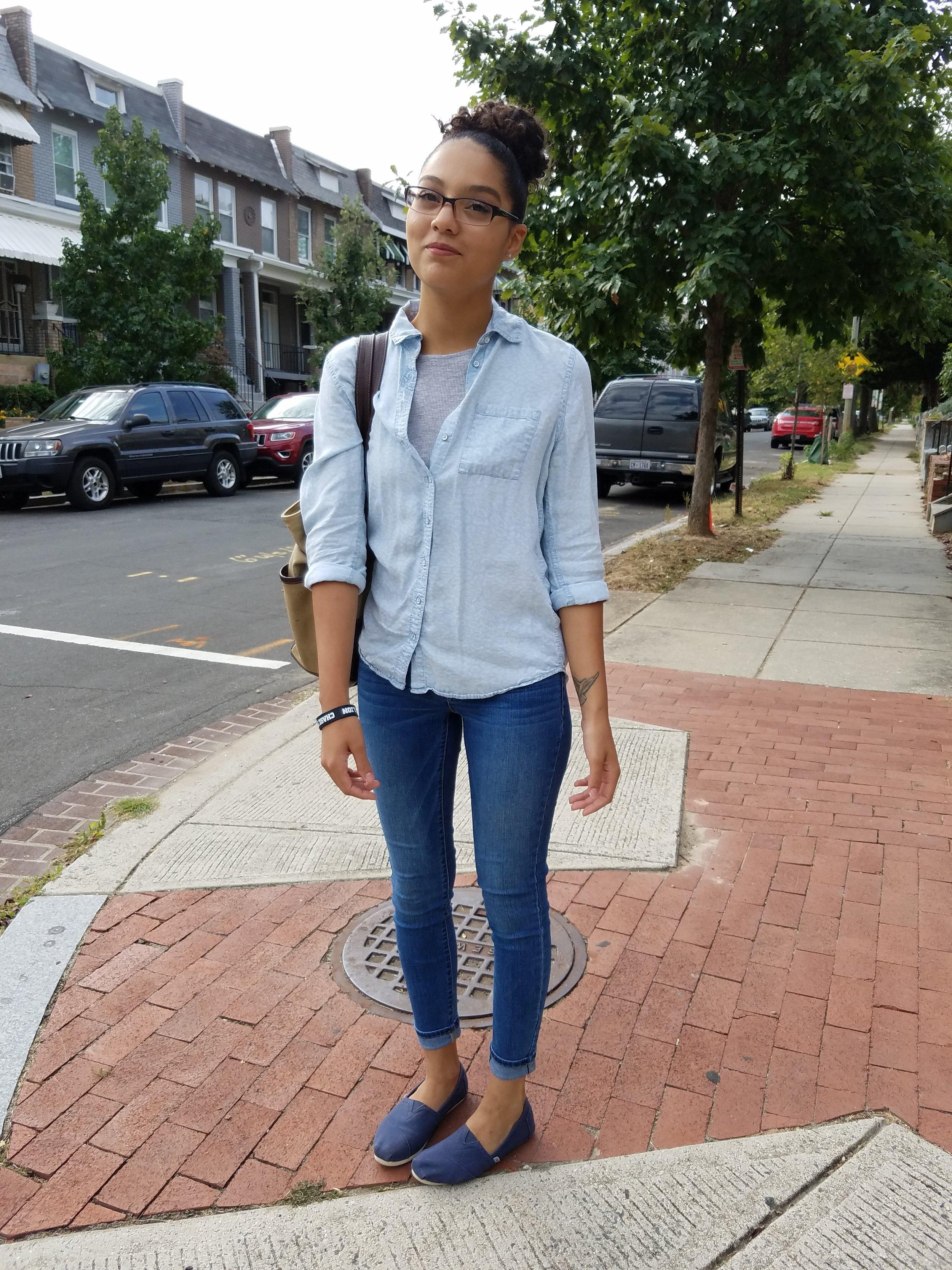 Outfit details: Denim shirt: Aeropostale   Crop Top: H&M   Jeans: Target   Shoes: Toms