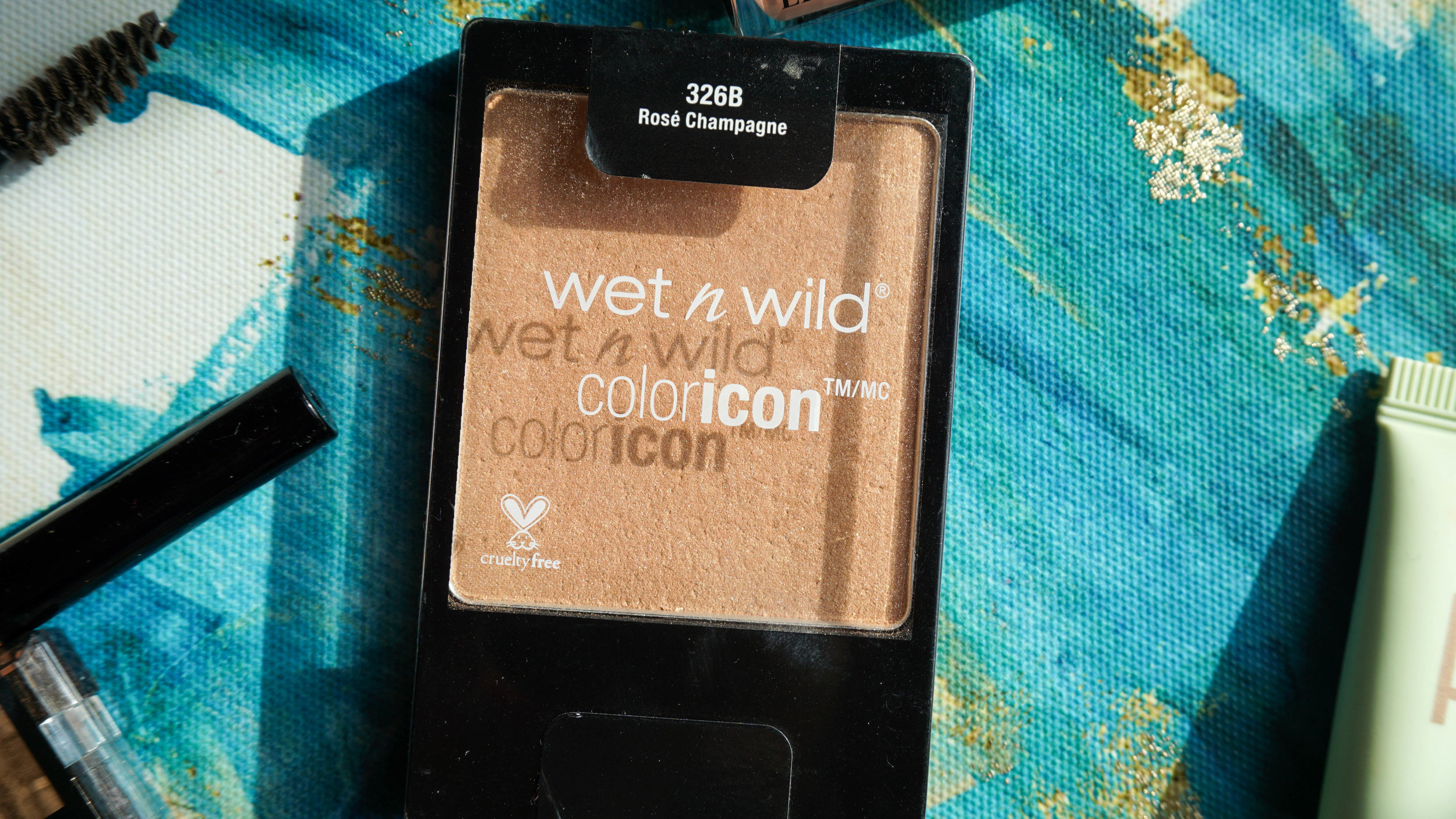 - Wet n Wild Color Icon Blush in 326B Rose Champagne