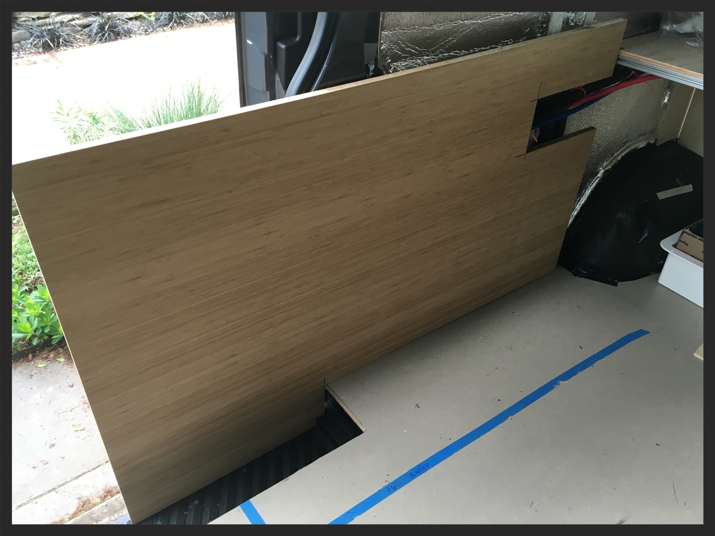 establishing the galley kitchen cabinet