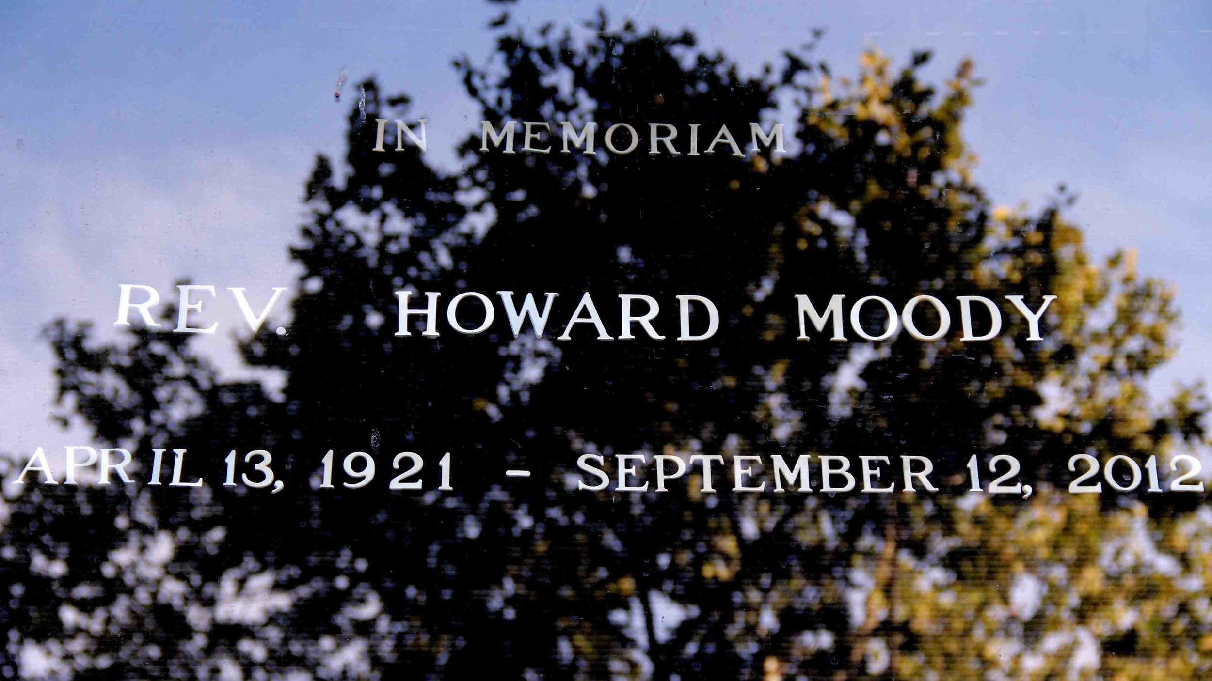 rev howard moody.jpg
