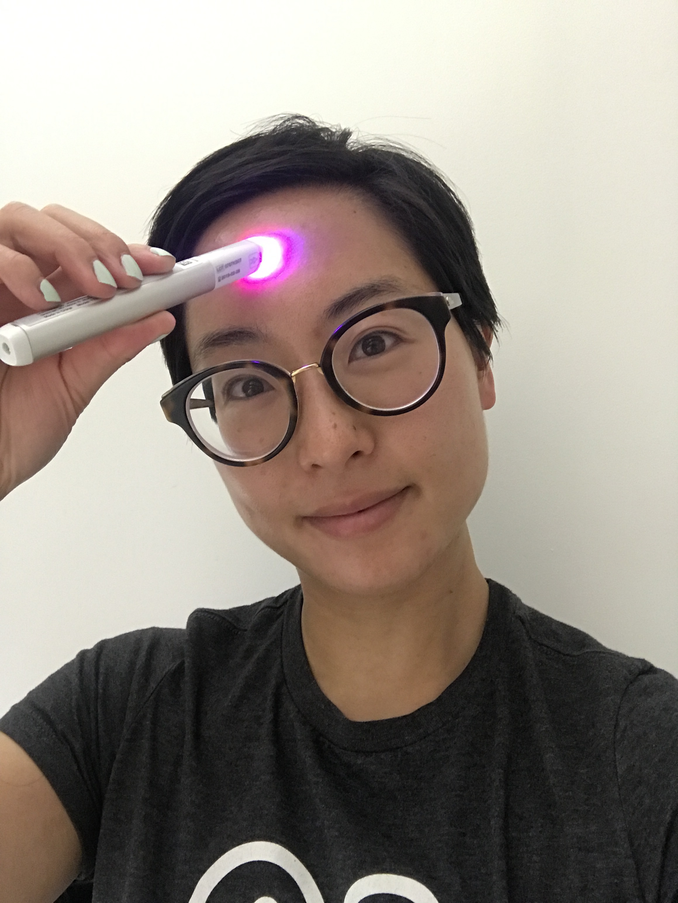 Foreo Espada Neutrogena Light Therapy Acne Spot Treatment