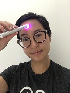 Foreo Espada Neutrogena Light Therapy Acne Spot Treatment