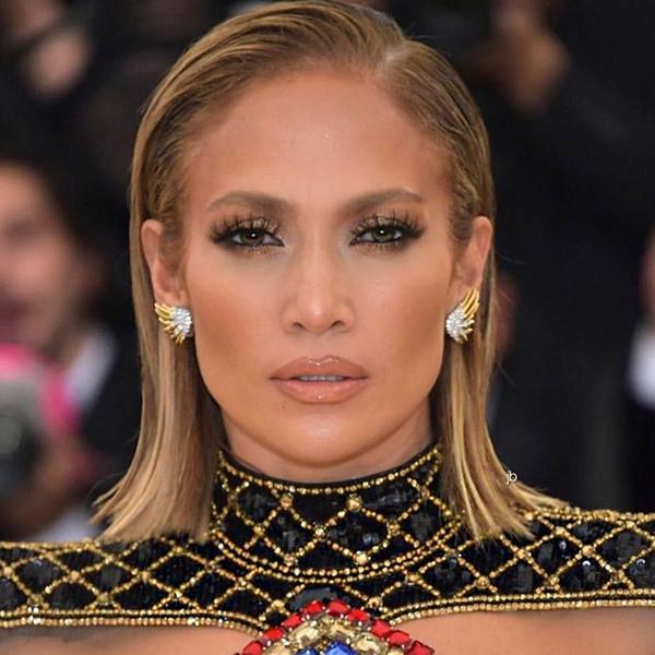 Jennifer_Lopez_Met_Gala4.jpg