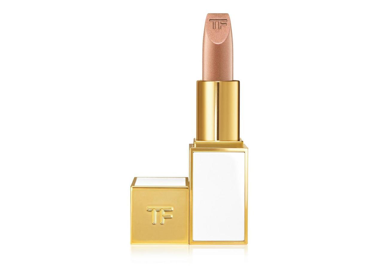 Tom Ford - Soleil Lip FoilThis is the most luxurious lip of the bunch and also the most subtle. If the full on foil look is too much for your day to day, I would definitely recommend this option for wearing on it's own or layering over other shades.