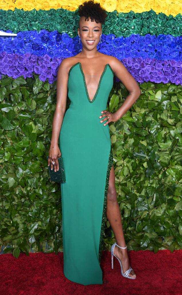 Samira traded her orange jumpsuit for this gorgeous green number.