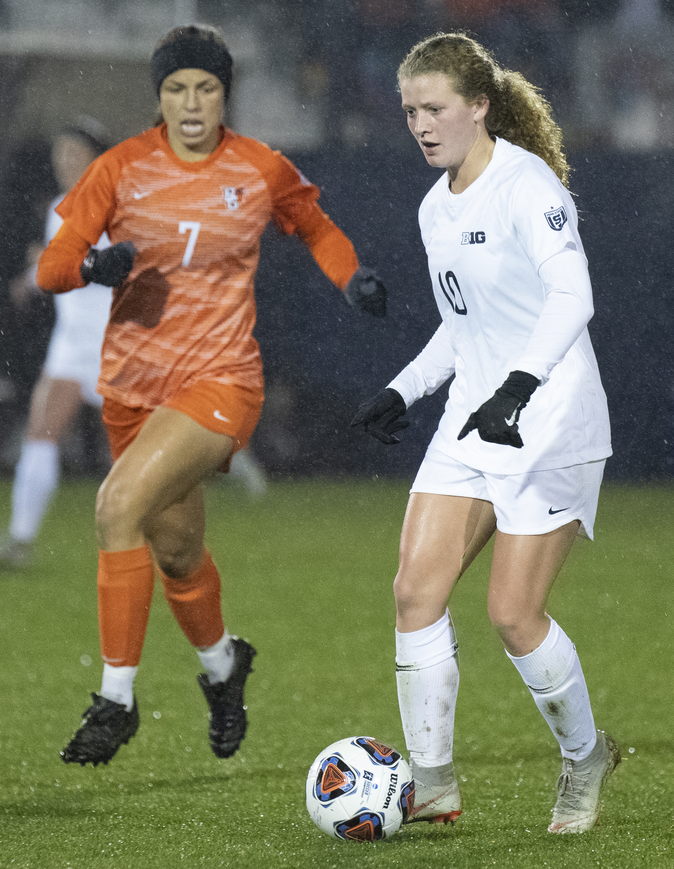 Midfielder Emily Ogle (10) dribbles the ball during the NCAA tournament first round game against Bowling Green at Jeffrey Field on Friday, Nov. 9, 2018. The Nittany Lions defeat Bowling Green 4-1 and advance to the second round of the NCAA Tournament. | Photo by: Noah Riffe