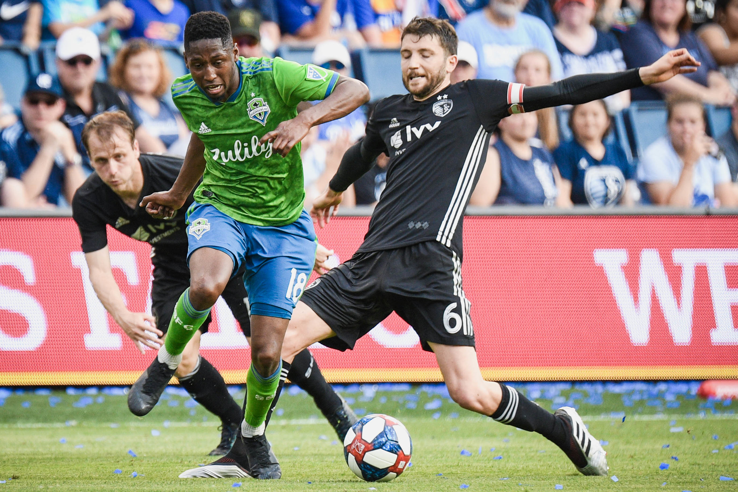 Kelvin Leerdam (18) dribbles the ball during Seattle Sounders FC match against Sporting Kansas City on Sunday, May 26, 2019 at Children's Mercy Park in Kansas City, Kansas. Sporting defeated the Sounders 3-2. (Photo by: Noah Riffe)