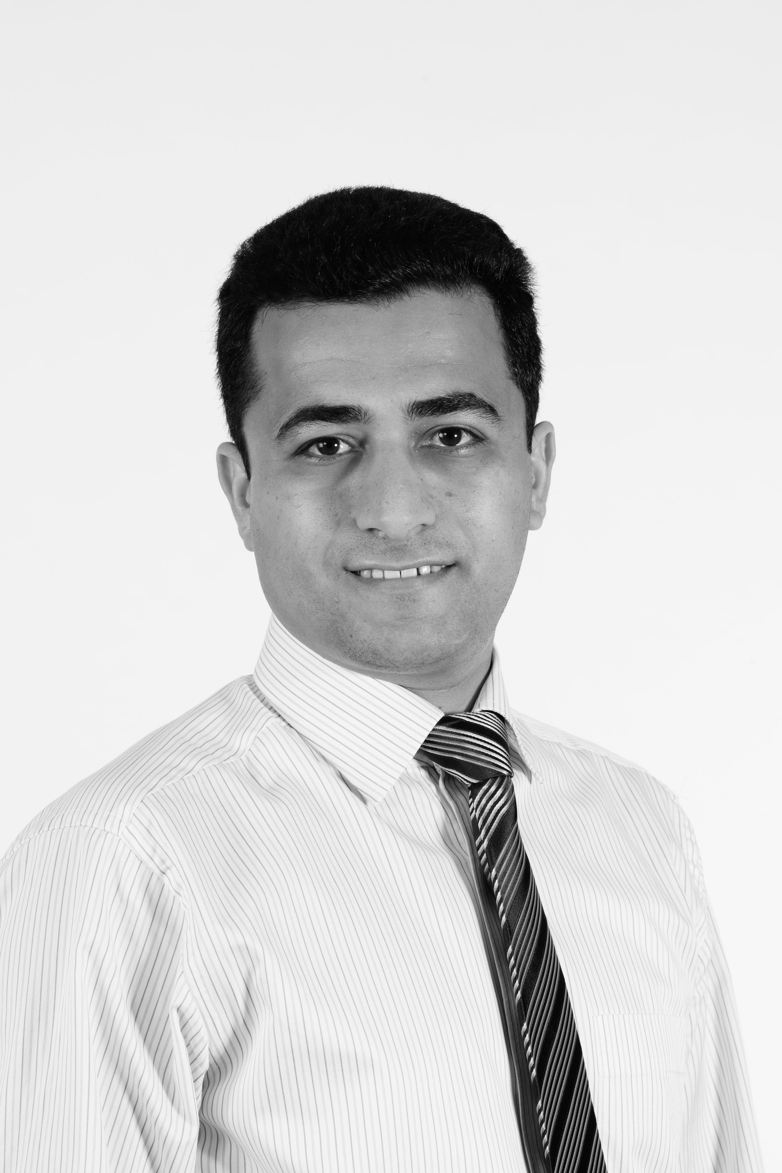 Portraits Ehsan Gharaie.jpg