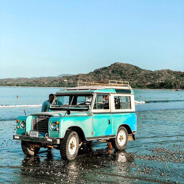 This pulled up while we were waiting for our fishing boat and just the sight of it made me want to move to Costa Rica. #costarica #samara #landrover