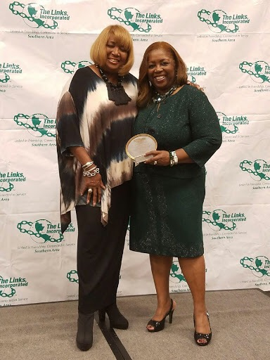 Chapter President Dr. Daisy Walker accepted the 2017 Chapter President's Award at the 2017 Southern Area Leadership Conference.