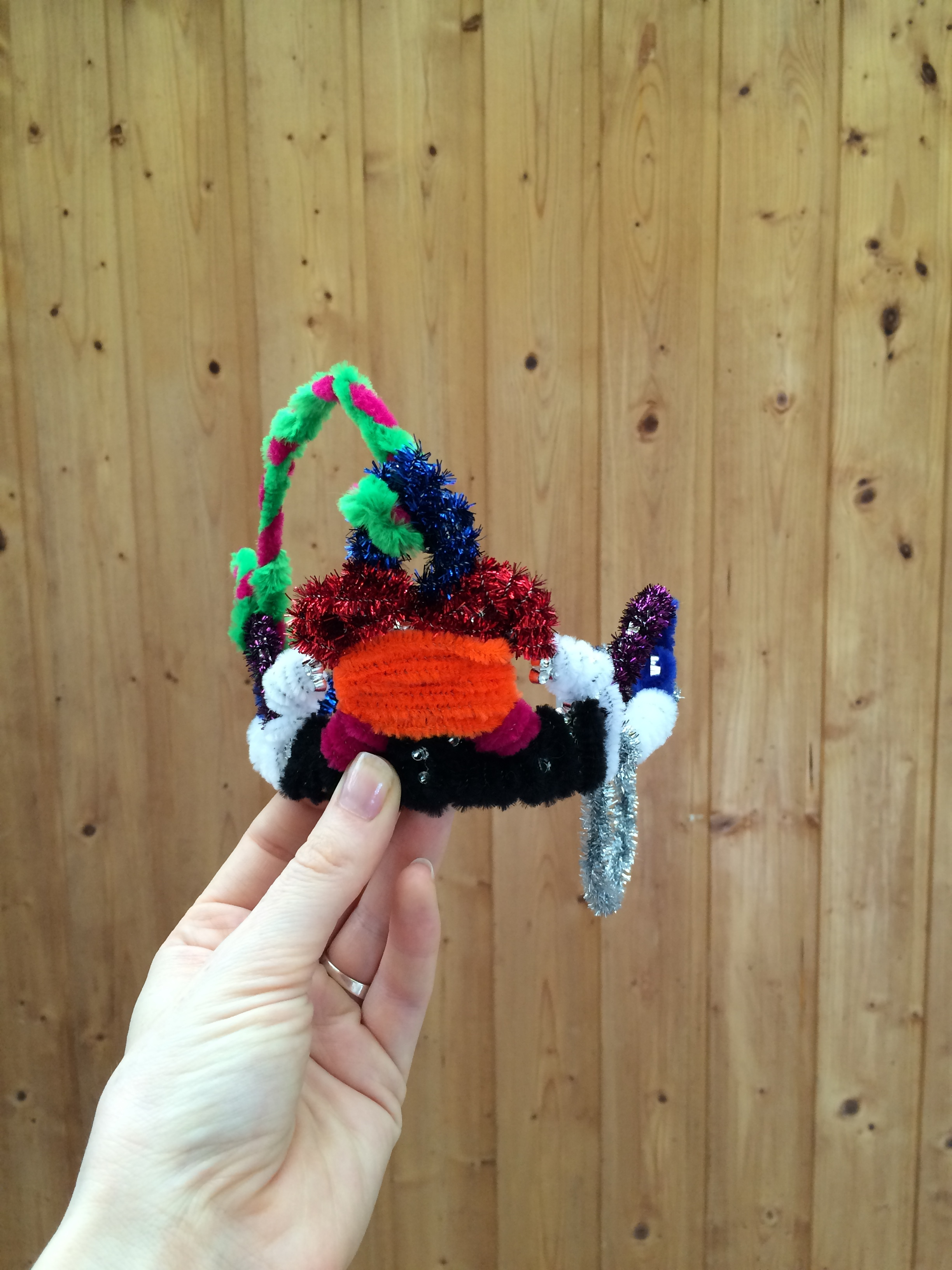 The base of the shell crown: who knew crafty pipe cleaners were so crafty.