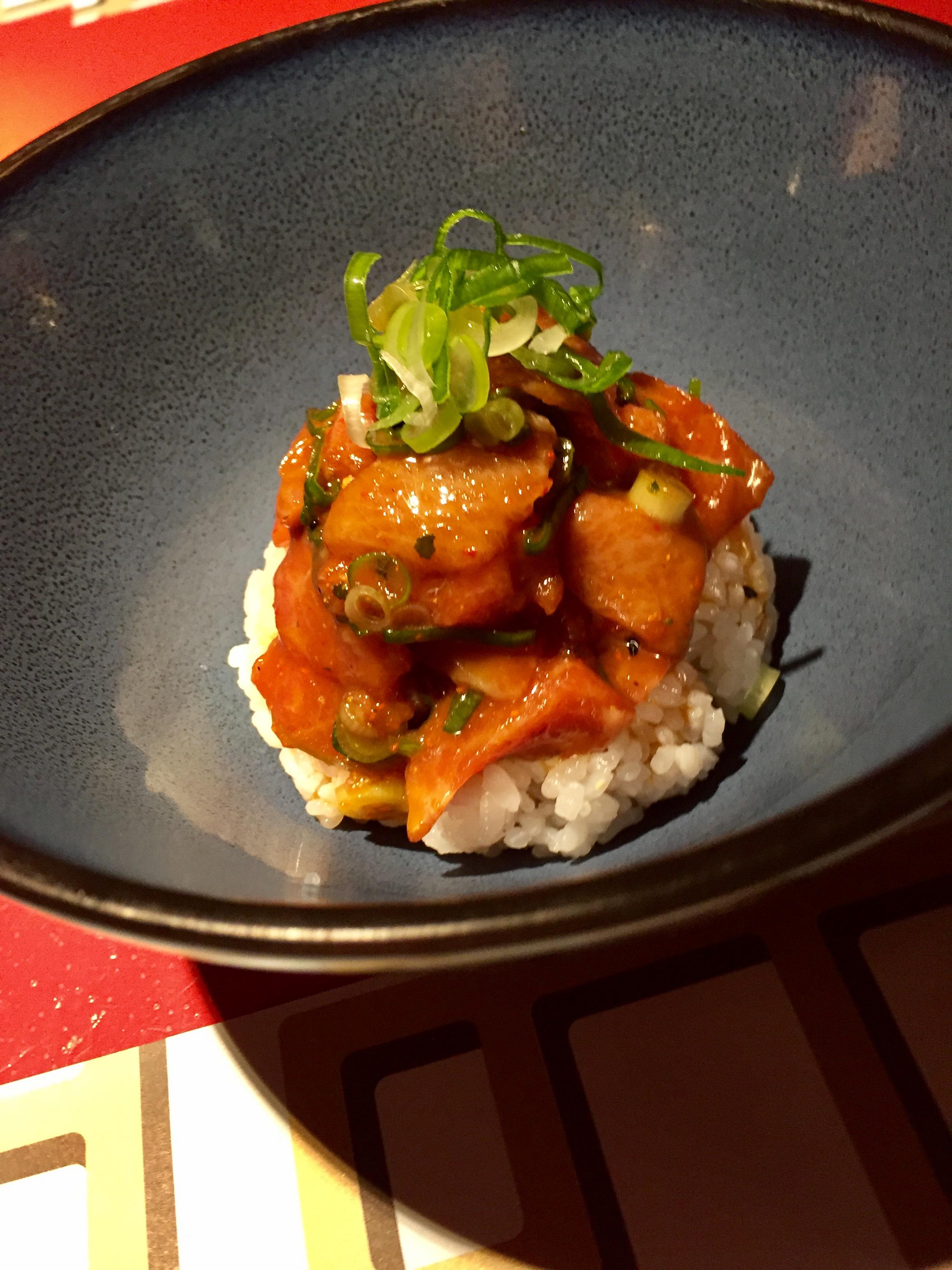 Poke picante de toro (spicy tuna)