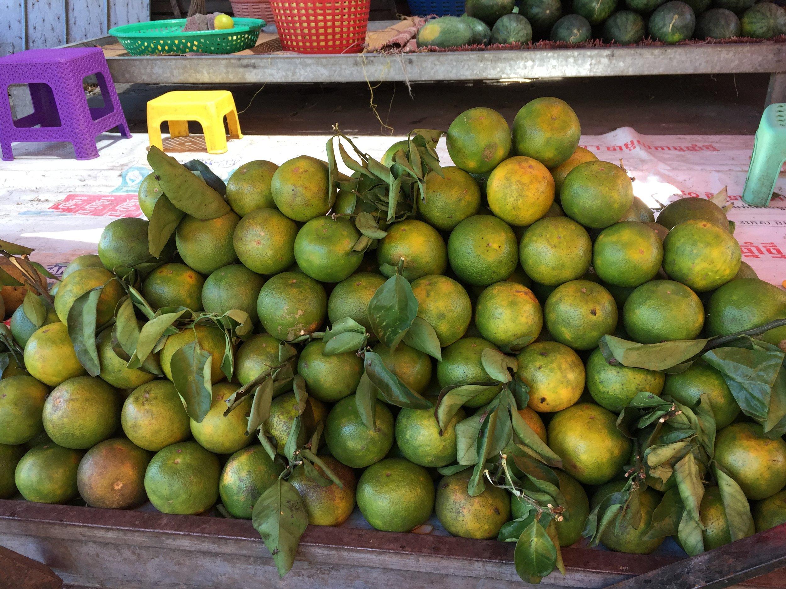 Battambang orange, selling at Nat market