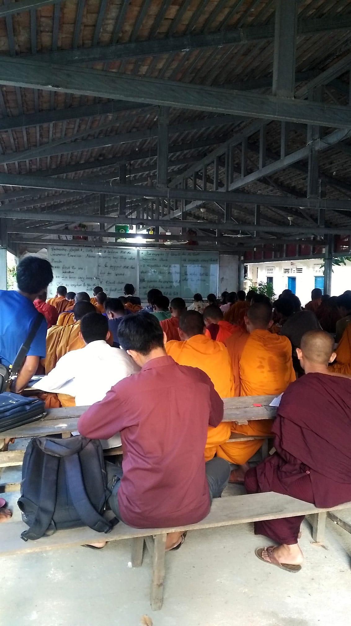 Wat Domrey Sor, Battambang_o.jpg