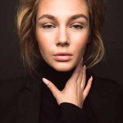 Hannah Roberts -Nails